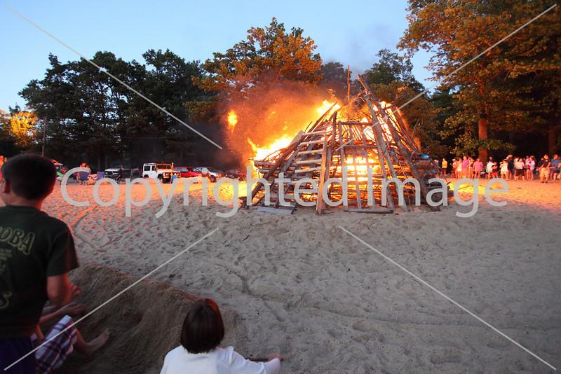 2010_bonfire_7884