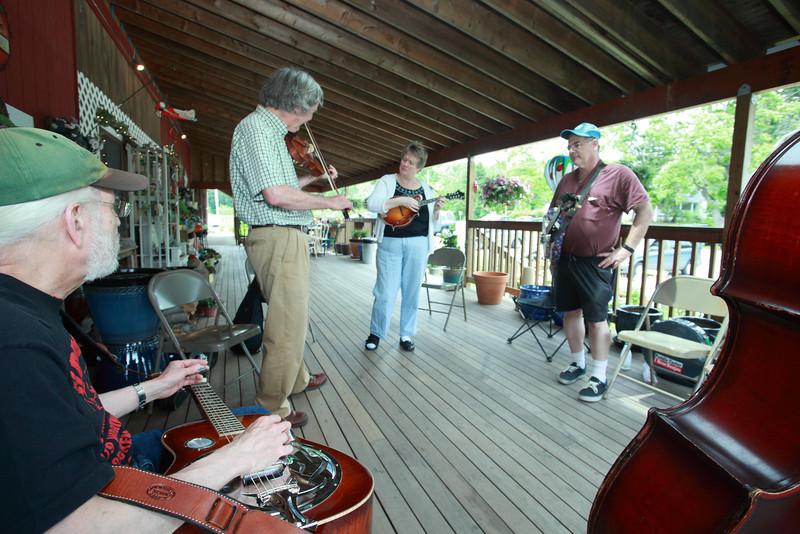 Bluegrass_1805