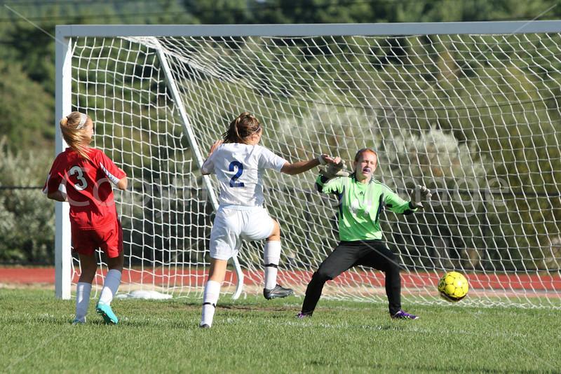 girls_soccer_2435