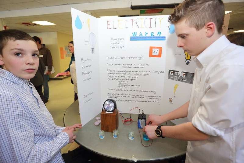2015_Science_Fair_9458