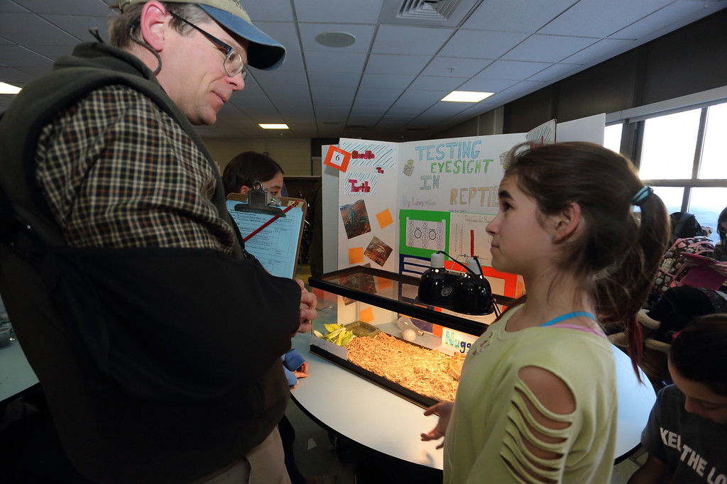 2015_Science_Fair_9459