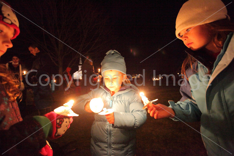 tree_lighting_3471