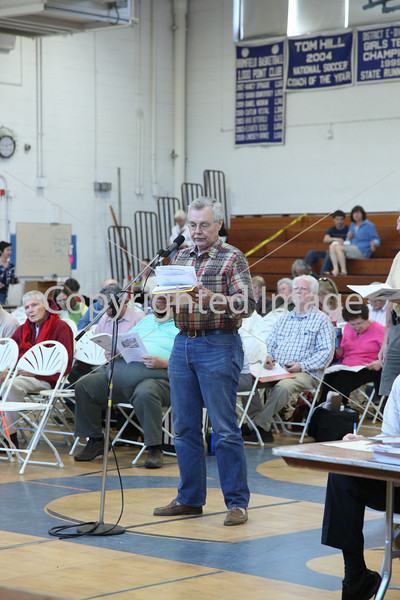 Hal Korsvedt takes the floor at Annual Town Meeting 2010