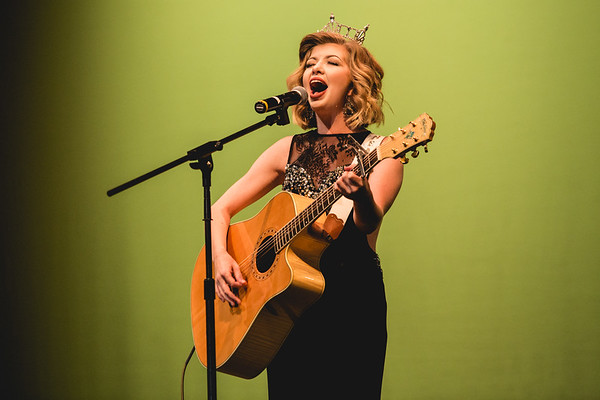 """2016 Miss Harvest Homecoming Oustanding Teen 2016 Meadow Ryann performs """"House of the Rising Sun."""""""