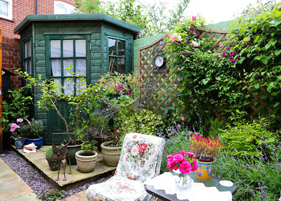 06 JUL 2019 – Harwich Secret Gardens – Church Street – Gardeners, Diana Brearley and Robin Knight - Photo Copyright © Maria Fowler 2019