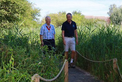 05 AUG 2018 – L-R: Deputy Mayor of Harwich Cllr. Alan Todd and Colin Farnell (Harwich Society Chairman) - Harwich Society Bobbit's Hole Open Day and Charity Stroll - Photo Copyright © Maria Fowler 2018