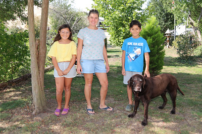 13 SEP 2020 – Pictured L-R: Maya, Julie and Luca Vasquez-Nicholson from London with 'Kia' - Bobbit's Hole Nature Reserve – Heritage Open Days – Photo Copyright © Maria Fowler 2020