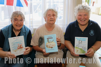 Storytellers, Marian Heath,  June Bretherton and Lesley Elliot.