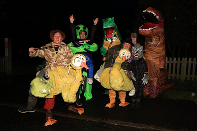 26 OCT 2019 – Wrabness Hunters, PICTURED L-R: Ali Cox, Jeff Webber, Kevin Harding, Emz Harding, John Webber and Craig Cox - Harwich Guy Carnival 2019 – Photo Copyright © Maria Fowler 2019