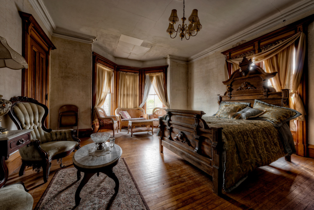 the haunted victorian mansion trigphotography