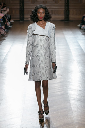 On Aura Tout Vu Perpetual Motion Couture FW16-17