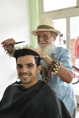 Gallo Visit to Barber's Shop