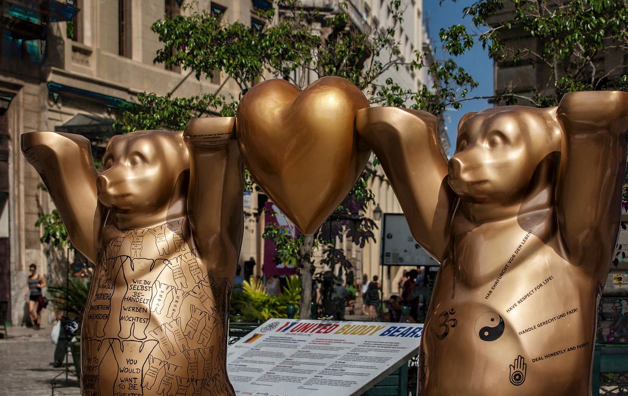 Bears in Havana