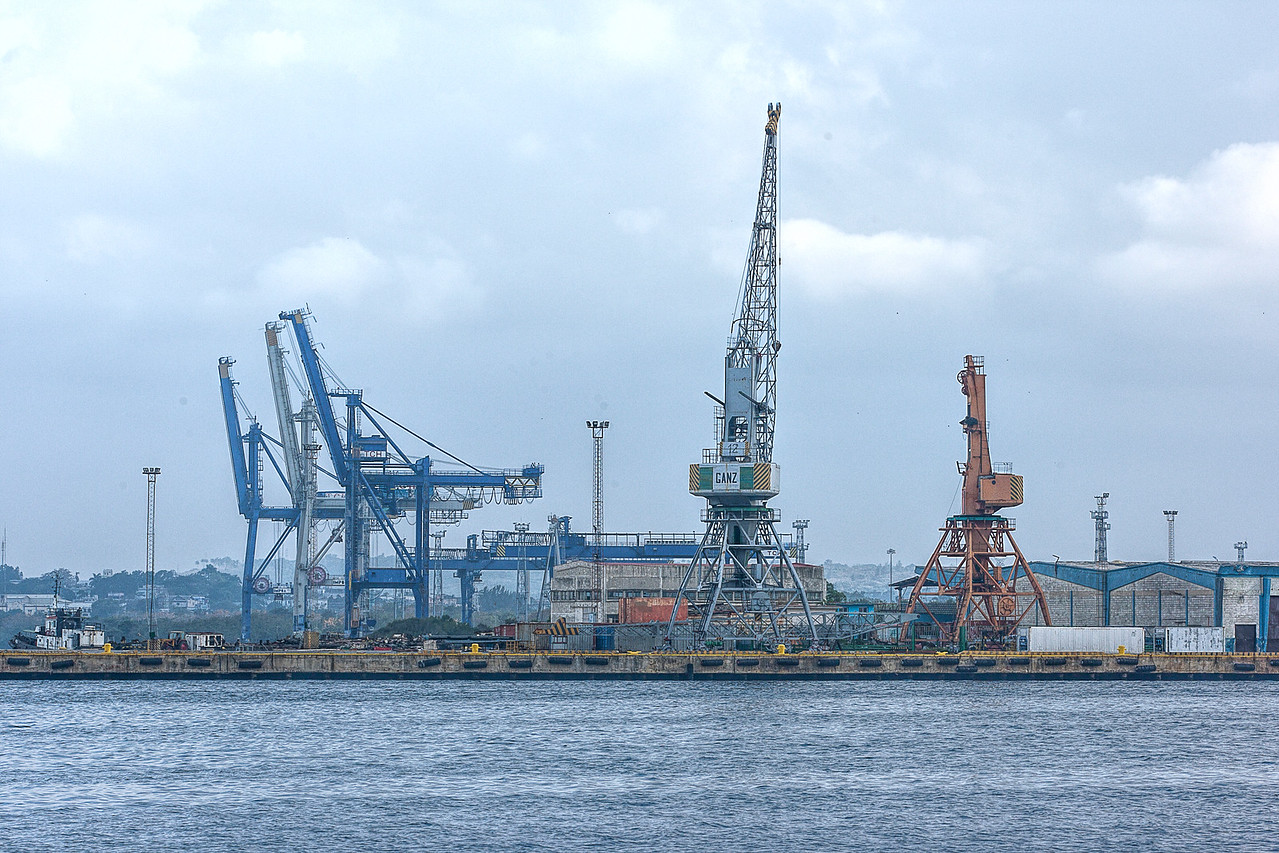 Cranes at Havana Harbour