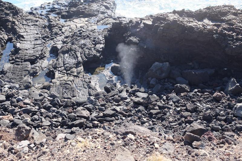 Blowhole, Ka'ena Point