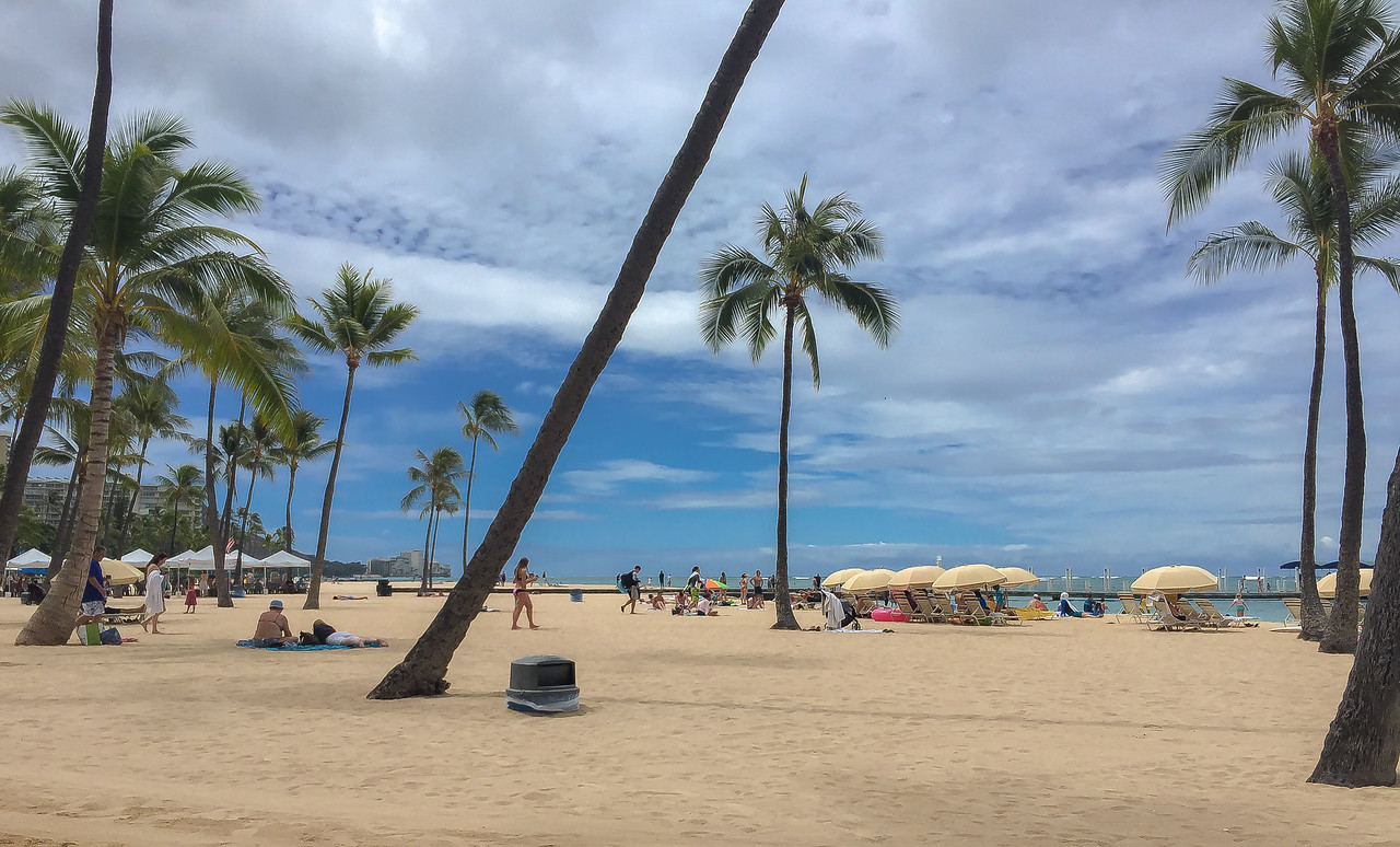 Hawaii 2017; Sunday morning walk about on Waikiki Beach Hilton Hawaiian Village. Oahu: Waikiki and Honolulu