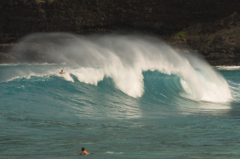 Surf at Hanauma Bay in Oahu
