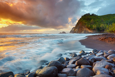 It was an incredible morning in the Pololu Valley, which has been carved out of solid lava from the oldest volcano on the Big Island of Hawaii.  It looks most like some other older Islands compared to the rest of the Big Island.
