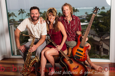 IMG_0241-Gigi Love Band-music-Lanikai-Na Mokulua-Oahu-Hawaii-March 2012