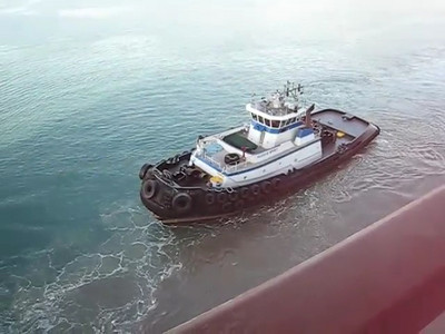 Tug Boat in Maui and Cruising Away from Maui Mini Movie