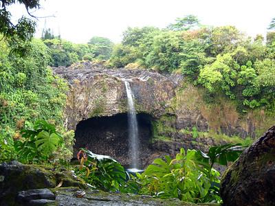 The Big Island Hawaii - Rainbow Falls, Flower Garden, Mauna Loa Macadamia Nut Factory