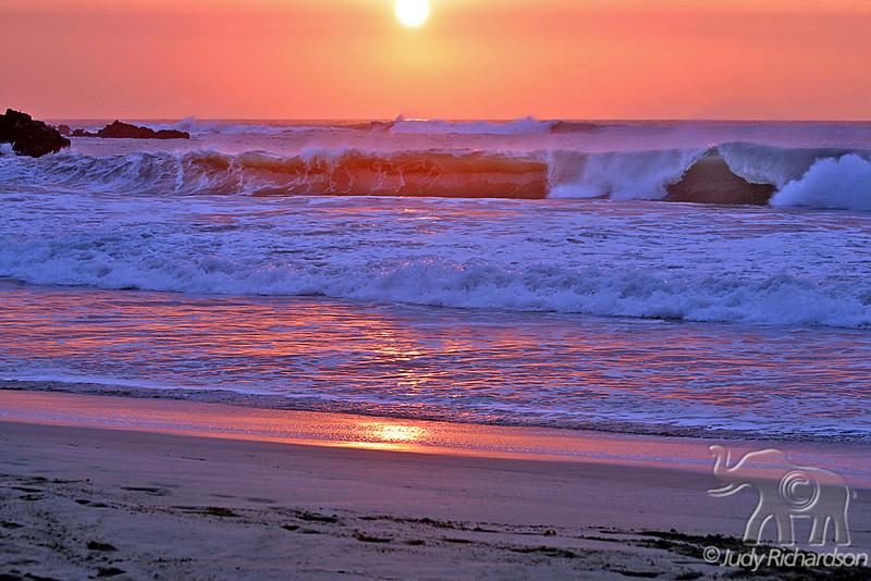 Brilliant Sunset & Winter Surf at Hapuna Beach, Hawaii