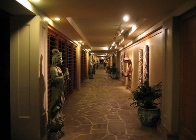 Art walkway, Hilton Waikoloa Village, Hawaii