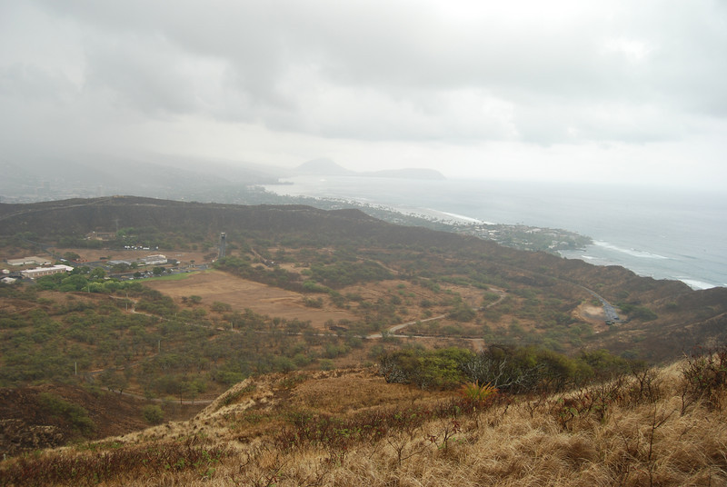#DIA050310-18 View of the Diamond Head crater from lookout