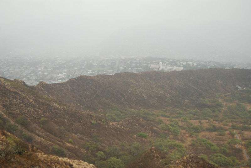 #DIA050310-17 View of the Diamond Head crater from lookout