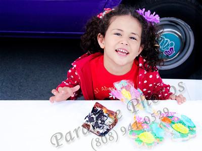Leah & Fairycakes treats 0312rw 3485