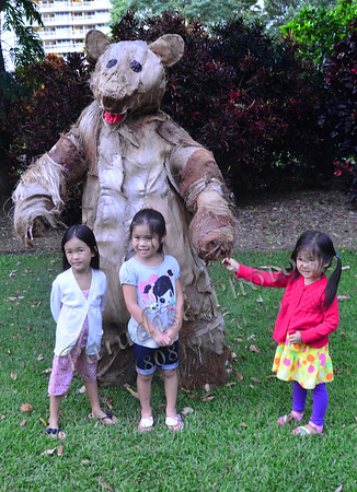 3 sm girls w bear FostG 071611