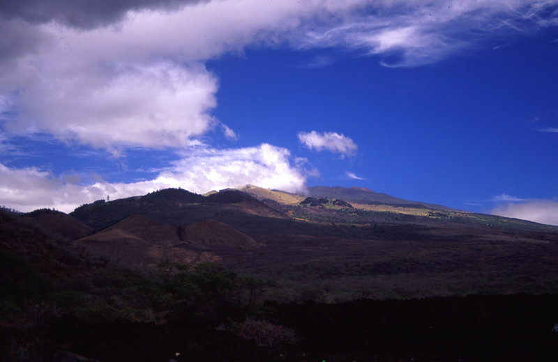 Another view of the 1790 eruption site.#HAL2000-11