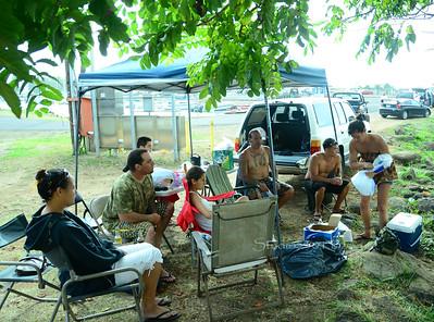 Locals Picnic Haleiwa bridge 072311 27