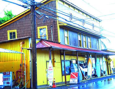 Yellow Surf shop Hal 072311