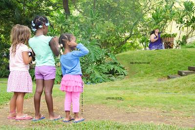 3 Kids watching hula 1626