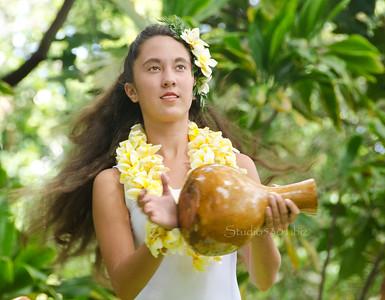 girl w gourd hair flying 0712 1786
