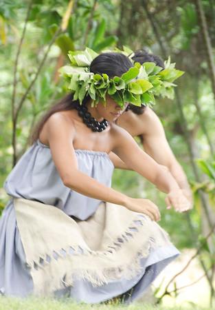 Hula girl head down 0712 1648