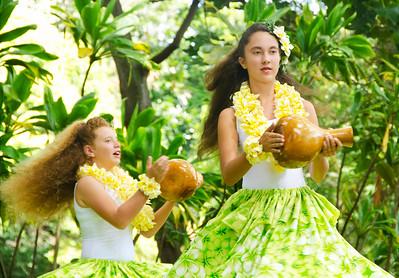 2Hula girls green yellow gourd p 1790