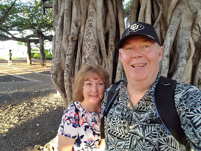 Selfie in front of the famous Lahaina Banyan tree.