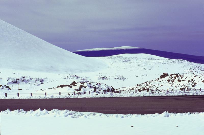 View of Mauna Loa from Mauna Kea #KEA2006-12