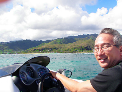 Matayoshi in his boat off hawaii kai, 3/09.