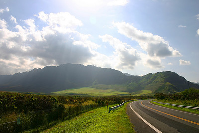 Road in front of Makua Valley by Dustin.