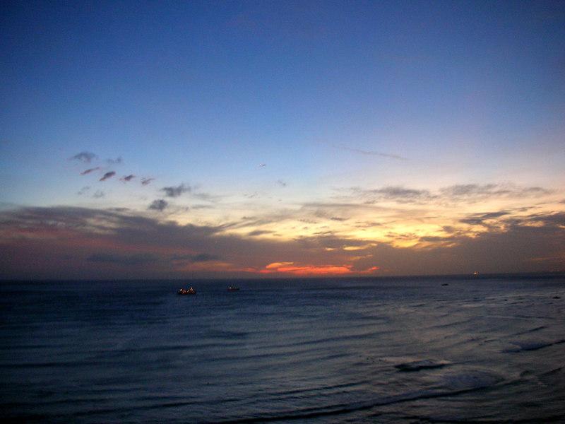 91. Waikiki Sunset.JPG