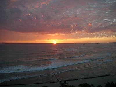 18  Waikiki Sunset