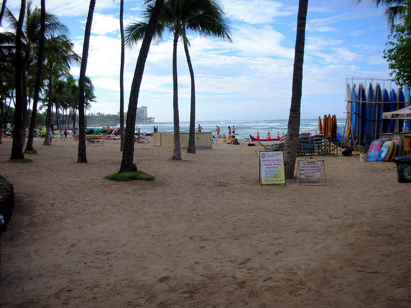53.  Waikiki Beach Scene.JPG