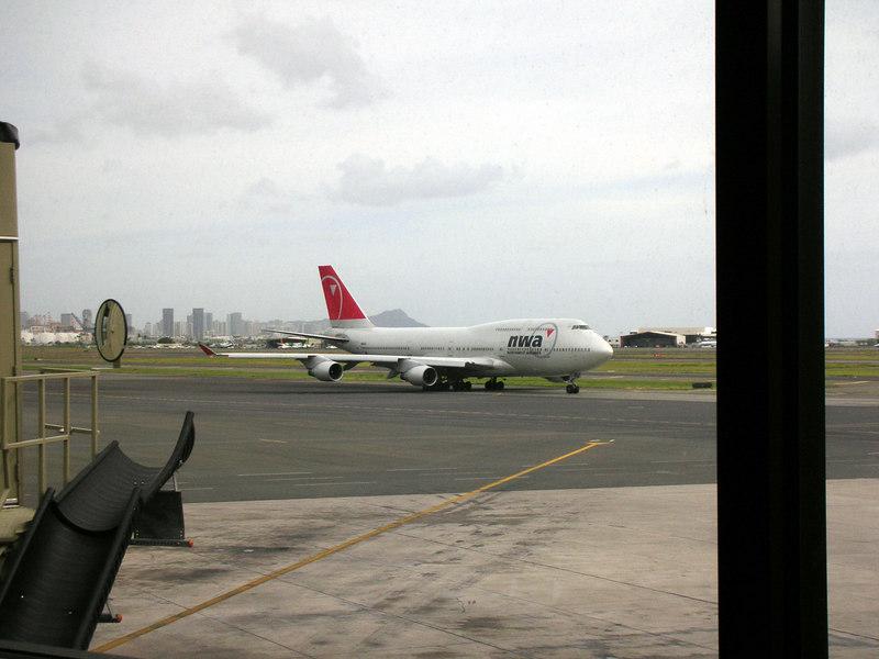 104. View from Honolulu Airport.JPG