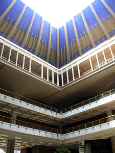 19  Open Air Ceiling at Hawaii State Capitol