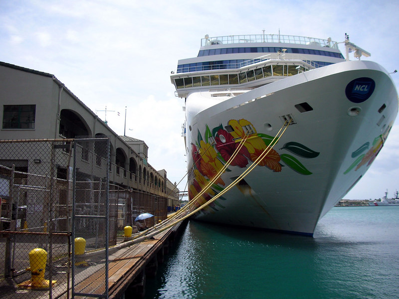 32. NCL Pride of Hawaii.JPG