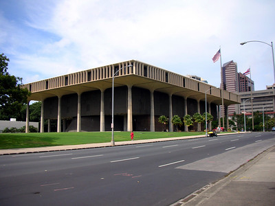 15  Hawaii State Capitol