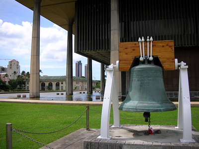 16  Liberty Bell at Hawaii State Capitol